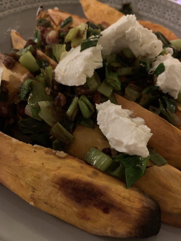 Gebackene Süßkartoffeln mit Ziegenkäse